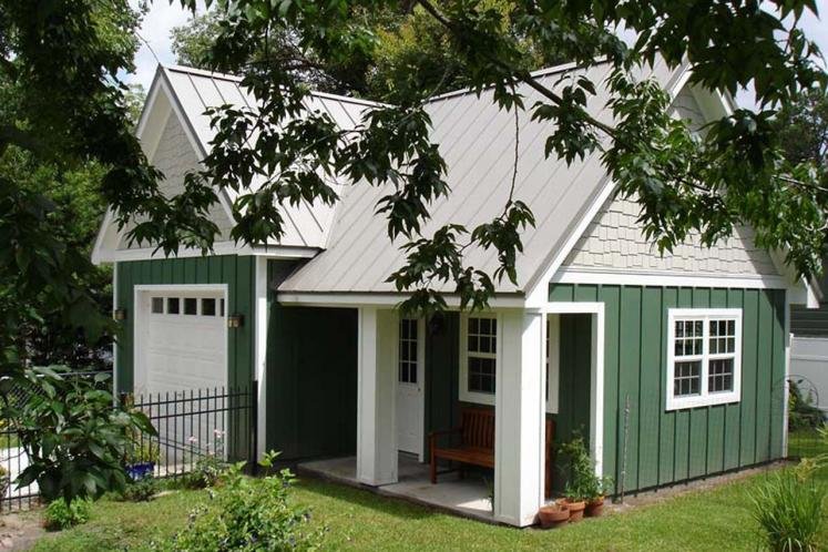 Country Garage Plan - Capricious 39021 - Right Exterior