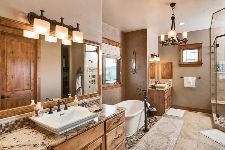 Prairie House Plan - Yukon 44590 - Master Bathroom